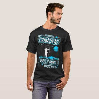 Camiseta Os vovôs bem comportados fazem raramente o tiro ao