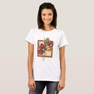 Camiseta Ouro e tulipas vermelhas que sobrepor o quadro