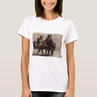 Camiseta Outro - viajantes do tempo