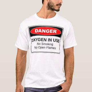 Camiseta Oxigênio do perigo no uso
