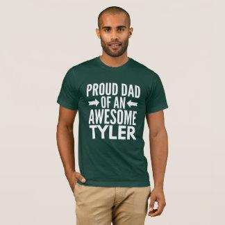 Camiseta Pai orgulhoso de um Tyler impressionante