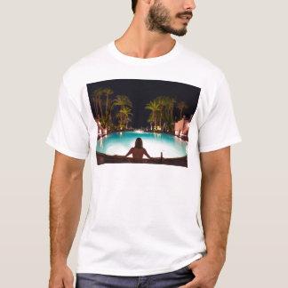 Camiseta Palmas, piscina, mulher e cerveja…