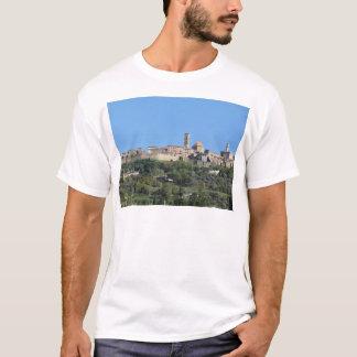 Camiseta Panorama da vila de Volterra, Toscânia, Italia