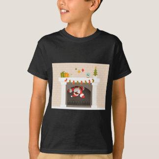 Camiseta papai noel preto colado na lareira