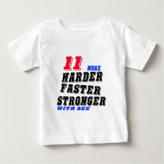 Camiseta Para Bebê 11 mais fortes mais rápidos mais duros com idade