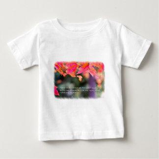 Camiseta Para Bebê 16:8 do salmo nas folhas da queda