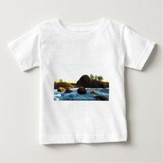 Camiseta Para Bebê 35fca8_2de3b51ddf0442a59af5adb37a8659c2~mv2_d_2272