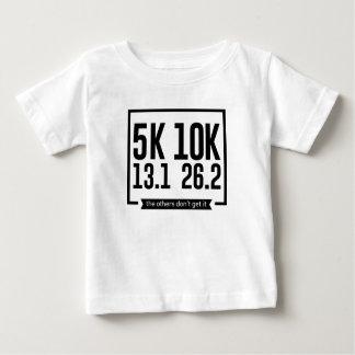 Camiseta Para Bebê 5K 10K 13,1 25,2 corredores que funcionam a raça