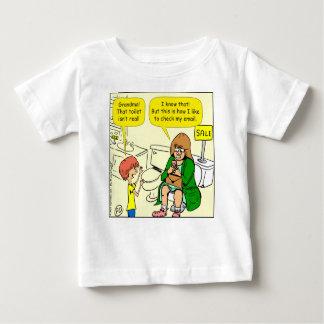 Camiseta Para Bebê A avó 903 está verificando desenhos animados do