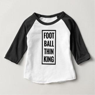 Camiseta Para Bebê a bola do pé pensa o rei ou o pensamento do