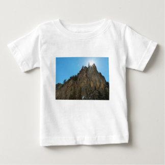 Camiseta Para Bebê A garganta de Boulder reduz o pináculo