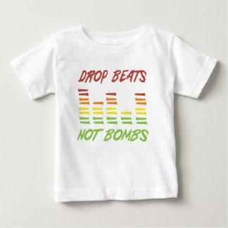 Camiseta Para Bebê A gota bate não bombas