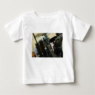 Camiseta Para Bebê A música dos instrumentos rufa o instrumento