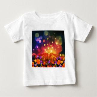 Camiseta Para Bebê A noite é cheio da cor que aprecia a vida