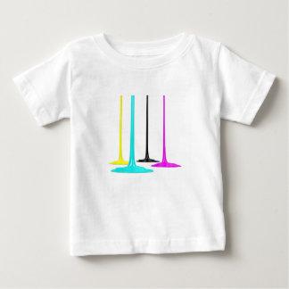 Camiseta Para Bebê A pintura de CMYK derrama no branco