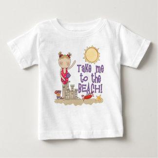 Camiseta Para Bebê À praia (menina)