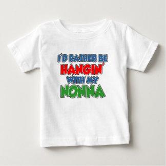 Camiseta Para Bebê A preferencialmente esteja pendurando com Nonna