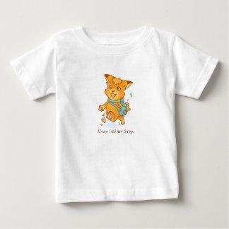 Camiseta Para Bebê A raposa pequena quer ir fora