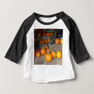 Camiseta Para Bebê Abóboras na palha