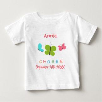 Camiseta Para Bebê Adopção escolhida borboleta adotada - nome feito