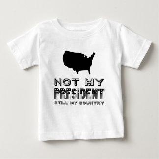 Camiseta Para Bebê Ainda meu país não meu preto do presidente América