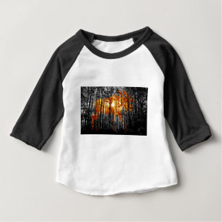 Camiseta Para Bebê Alces nas árvores