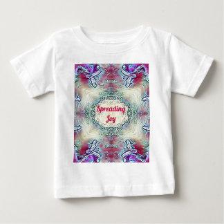 Camiseta Para Bebê Alegria de espalhamento de Borgonha da época