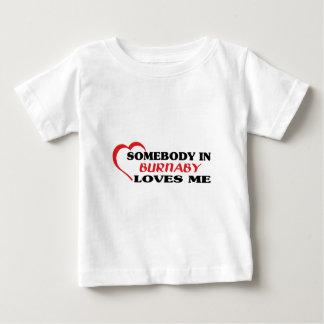 Camiseta Para Bebê Alguém em Burnaby ama-me