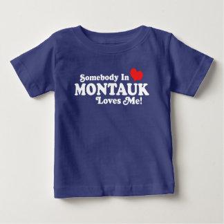 Camiseta Para Bebê Alguém em Montauk ama-me