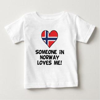 Camiseta Para Bebê Alguém em Noruega ama-me