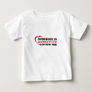 90ab299ea9 Camiseta Para Bebê Alguém em Worcester ama-me