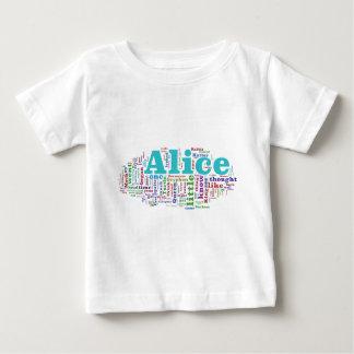 Camiseta Para Bebê Alice na nuvem da palavra do país das maravilhas