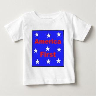 """Camiseta Para Bebê """"América vermelha, branca, e azul primeiramente"""""""