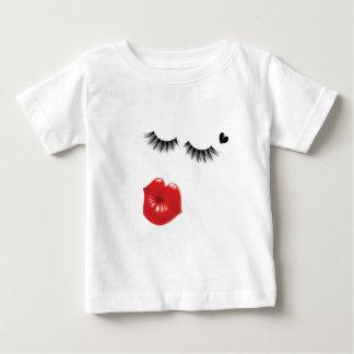 Camiseta Para Bebê amor e beijos