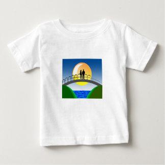 Camiseta Para Bebê amor e casais