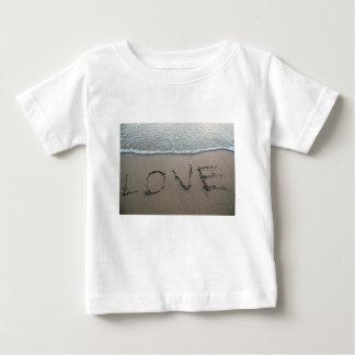 Camiseta Para Bebê Amor na areia