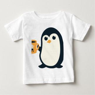 Camiseta Para Bebê Animais bonitos do pinguim bonito do café do