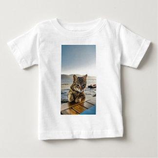 """Camiseta Para Bebê """"Aqui eu estou"""" digo o gato"""