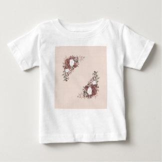 Camiseta Para Bebê Arranjo floral no rosa e no malva