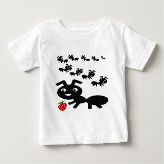 Camiseta Para Bebê As formigas vão design de marcha