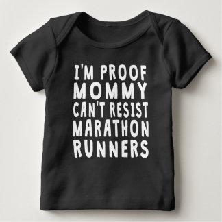 Camiseta Para Bebê As mamães da prova não podem resistir os