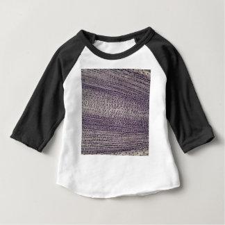 Camiseta Para Bebê As pilhas de uma fava enraízam (faba do Vicia) sob