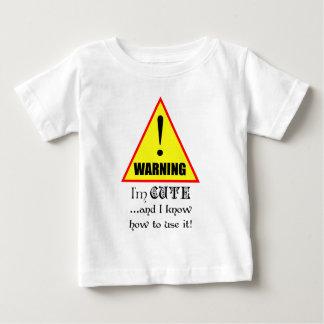 Camiseta Para Bebê Aviso! Eu sou bonito e eu sei usá-lo…