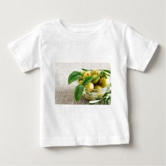 Camiseta Para Bebê Azeitonas Pitted com folhas e rosemary verdes