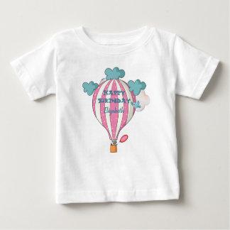 Camiseta Para Bebê Balão de ar quente cor-de-rosa bonito com guaxinim