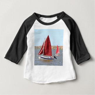 Camiseta Para Bebê Barco de vela de madeira