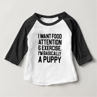 Camiseta Para Bebê Basicamente um filhote de cachorro