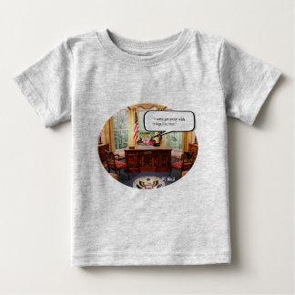 Camiseta Para Bebê Bebê de Trumpy no escritório - t-shirt fino do