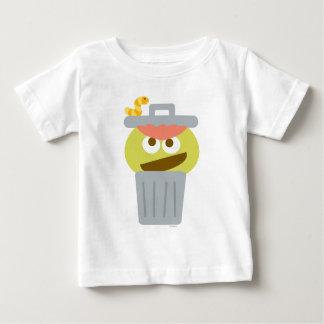 Camiseta Para Bebê Bebê Oscar o Grouch em Trashcan