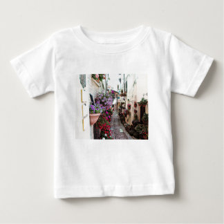 Camiseta Para Bebê Becos de Windows, do balcão e da flor em Spello